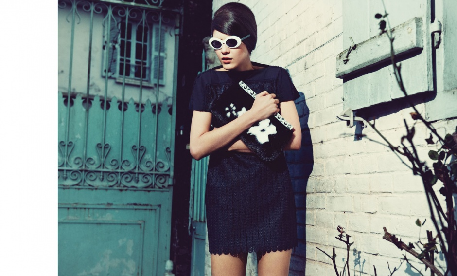 Tunic by PAco Rabanne Bag by prada Sunglasses by Jean Lafonte