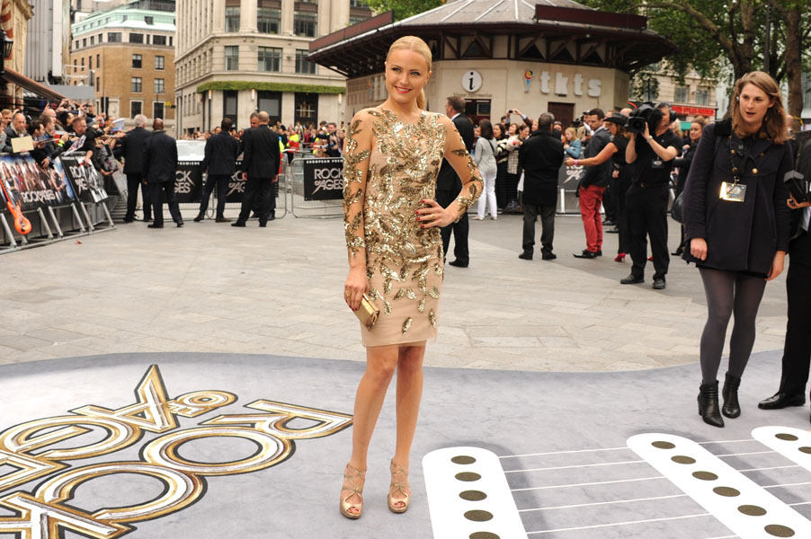 Style Watch: Malin Akerman, Zoe Saldana, and more
