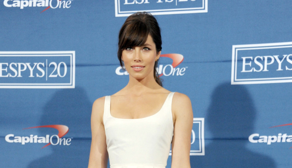 Style Watch: Jessica Biel, Anne Hathaway, and More
