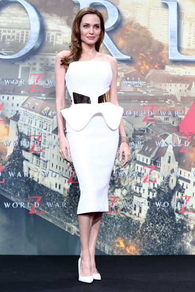 Style Watch: Hilary Rhoda, Dree Hemingway, and more