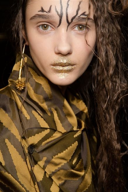 The Wild, the Wacky, and the Wonderful: Paris' Best Beauty Trends For FW15