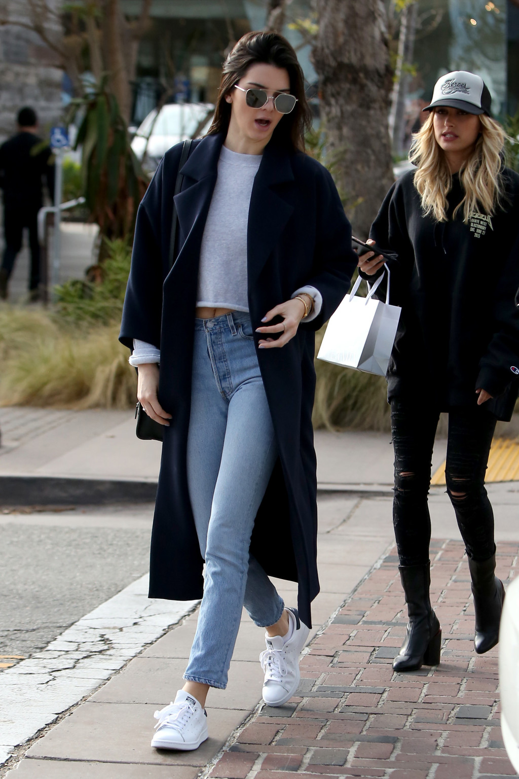 Kendall Jenner oversized blue coat gray longsleeved crop top skinny jeans white sneakers