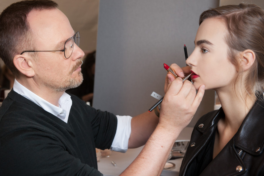 Backstage Dior Couture Beauty 2016 Makeup Artist
