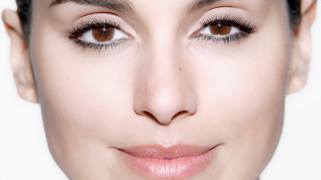 A Makeup Tutorial To Define Your Eyes Savoir Flair