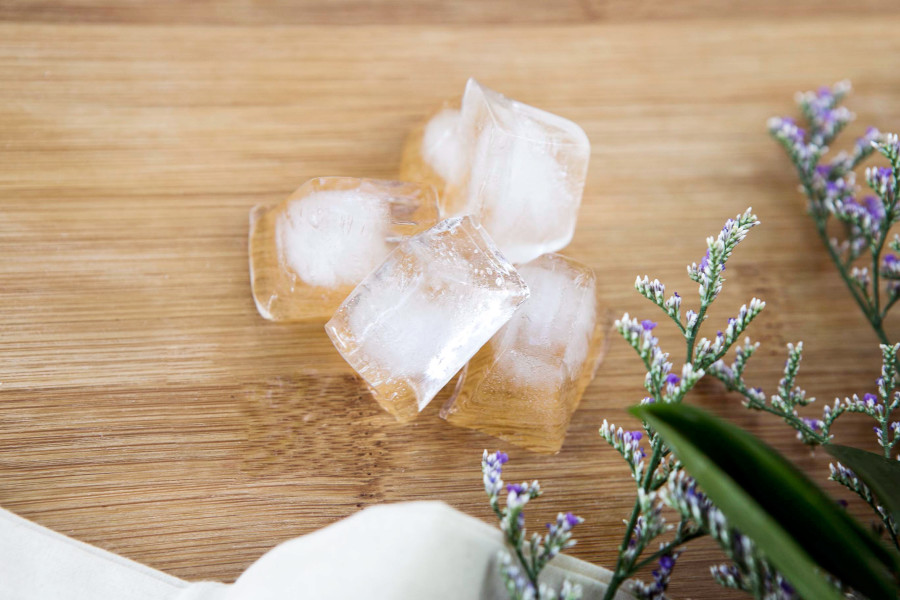 DIY Face Masks Puffiness Ice