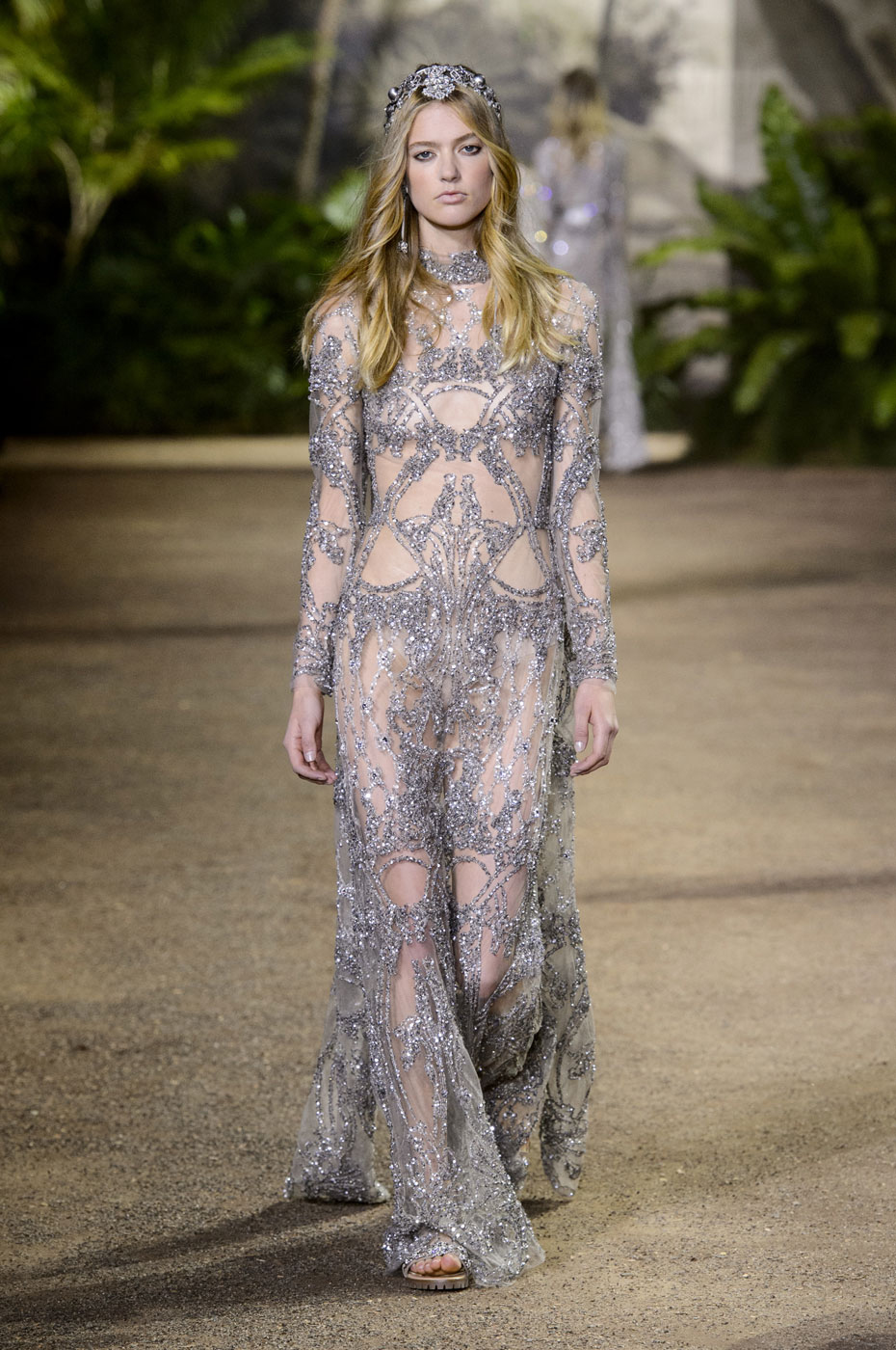 Elie Saab Looks to India for Spring 2016 Couture