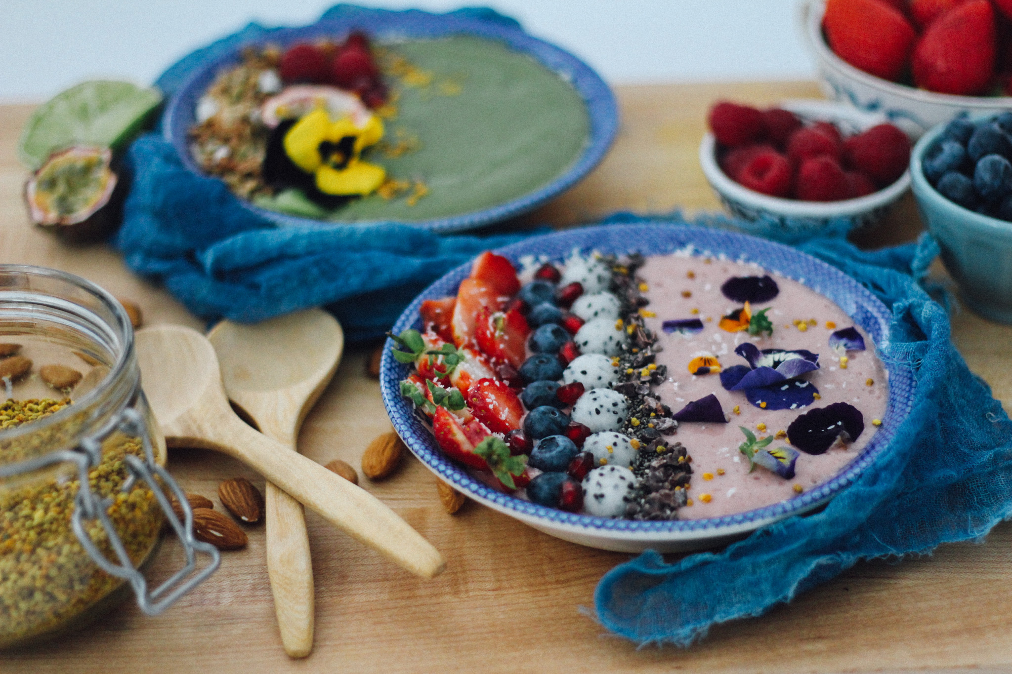 How-to-make-a-breakfast-smoothie-bowl.jpg