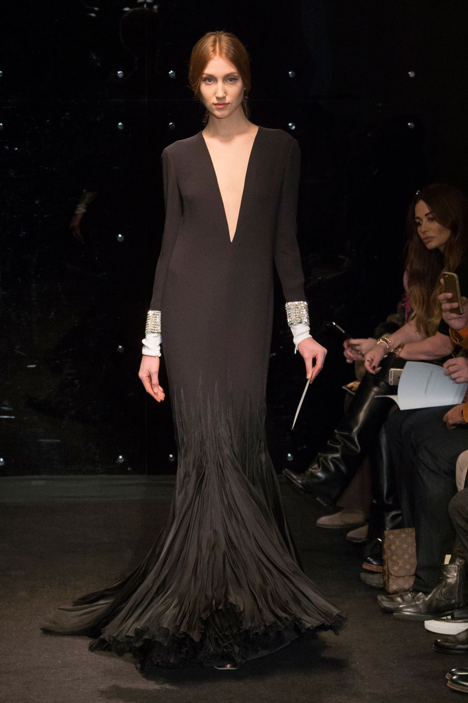 Stéphane Rolland Throws Back to Old Paris Salons for Spring 2016 Couture