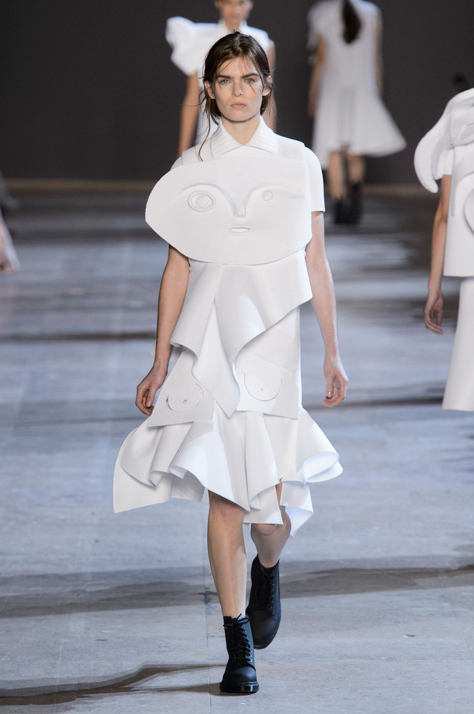 Viktor & Rolf Experiment with Cubism for Spring 2016 Couture