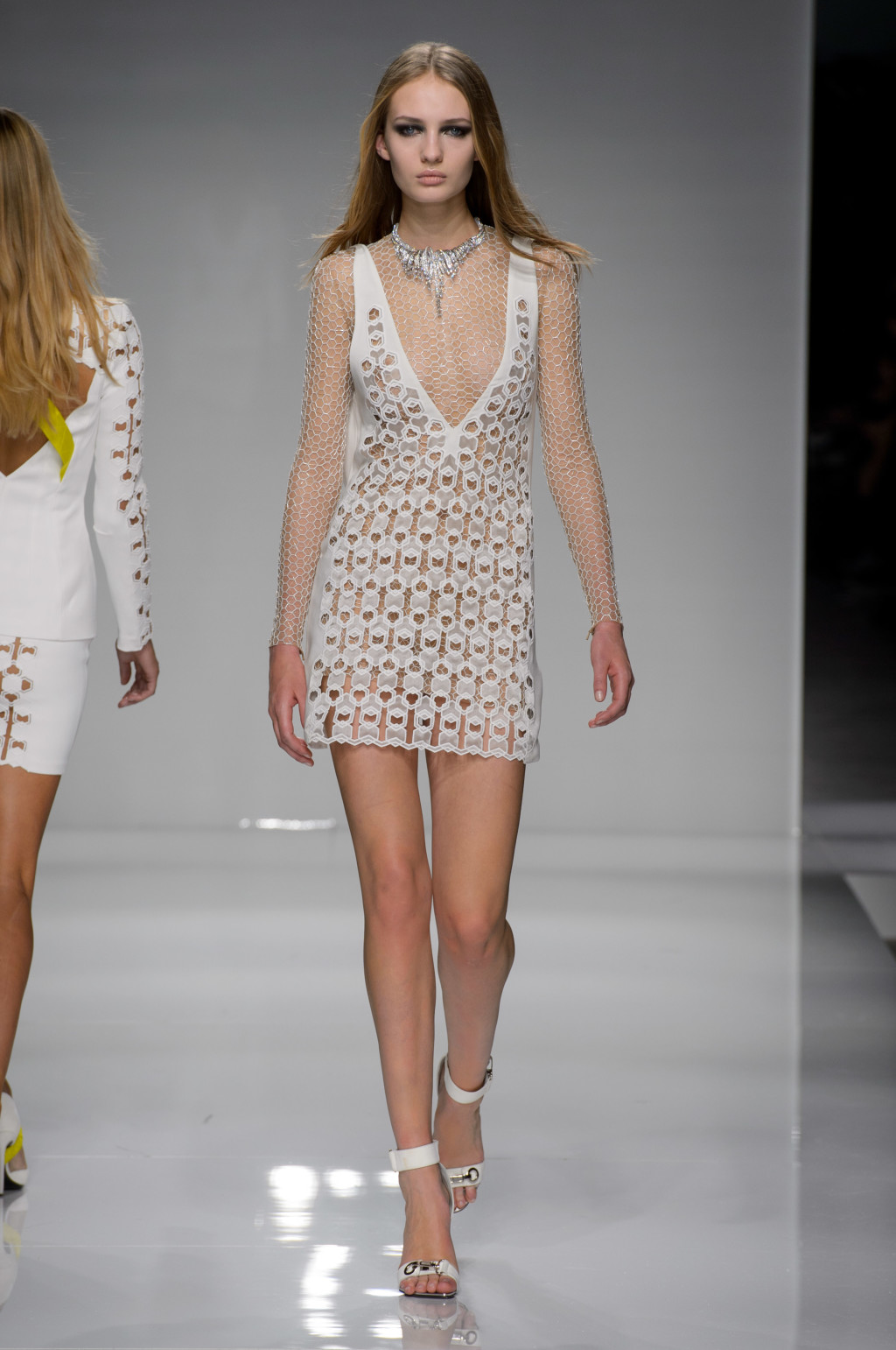 Atelier Versace's Body-Sculpting Collection for Couture 2016