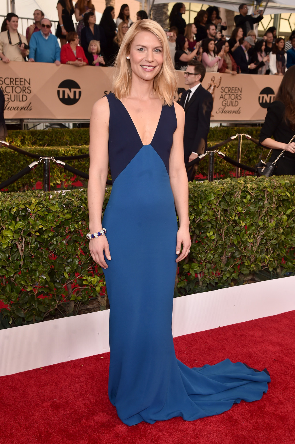 Claire Danes in a color-blocked Stella McCartney gown at the 2016 SAG Awards