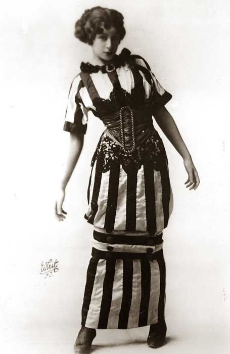 Hobble skirt Paul Poiret