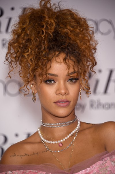 Rihanna Hair Macy's Fragrance Event 2015