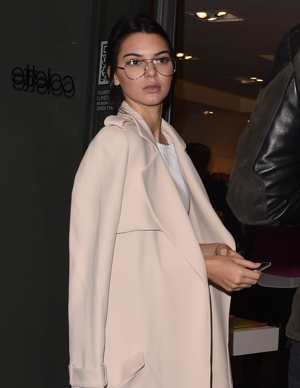 Ditch the Contacts for Cool Glasses à la Kendall