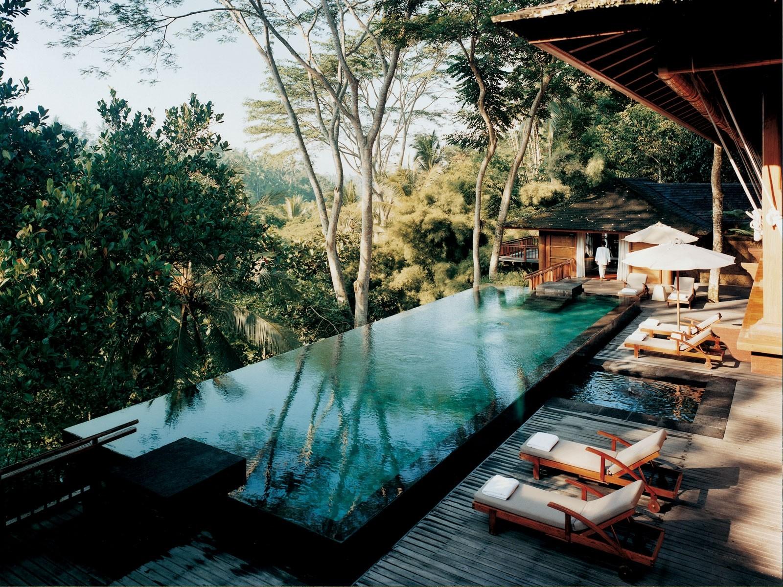 7 amazing solo travel vacation ideas - savoir flair