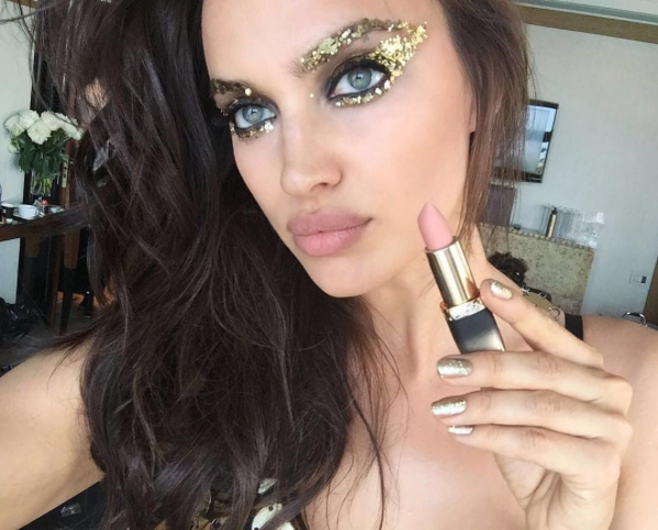 Going for Gold – The Makeup Color of Choice at Cannes