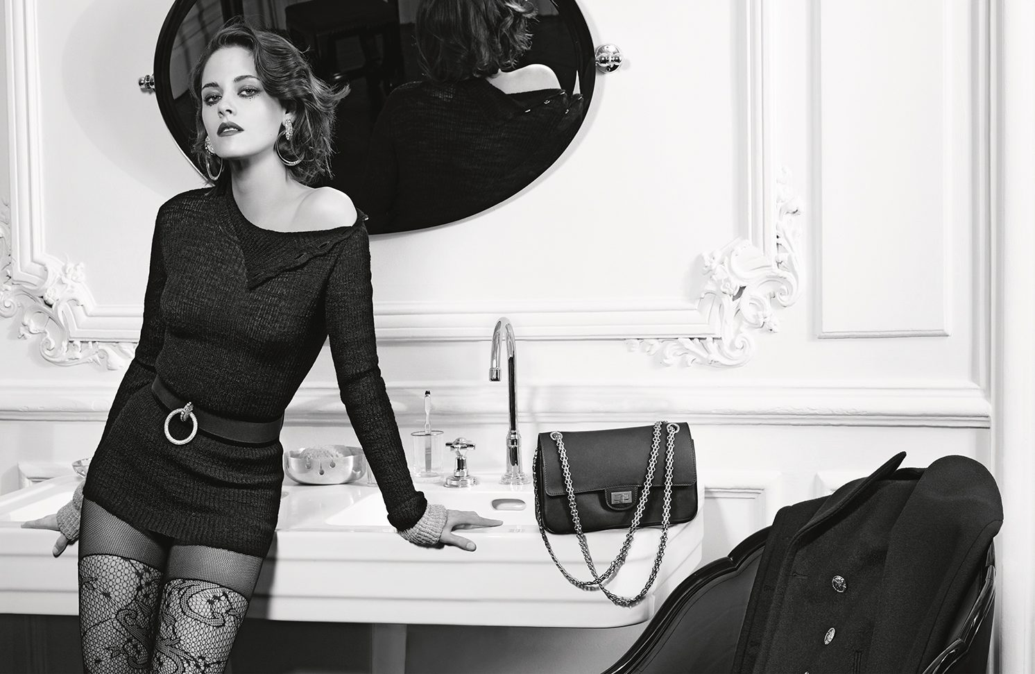 Chanel Ad-campaign---pictures-by-Karl-Lagerfeld-(2)_LD