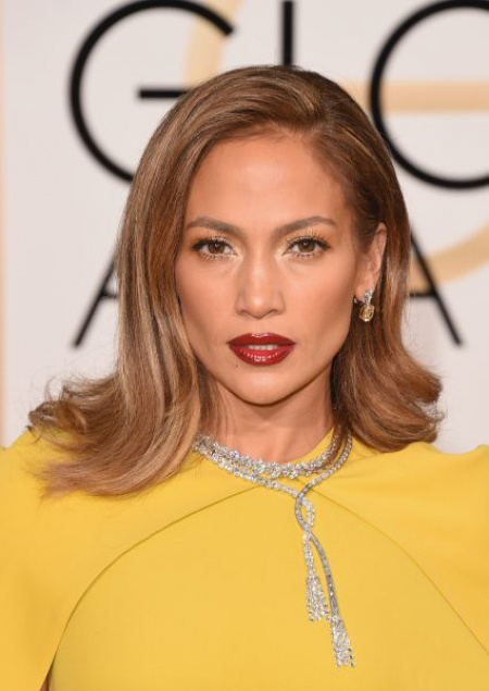 Jennifer Lopez's Best Beauty Looks – Vote for Your Favorite