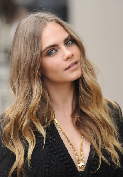 Cara Delevingne Best Beauty Look Burberry Show