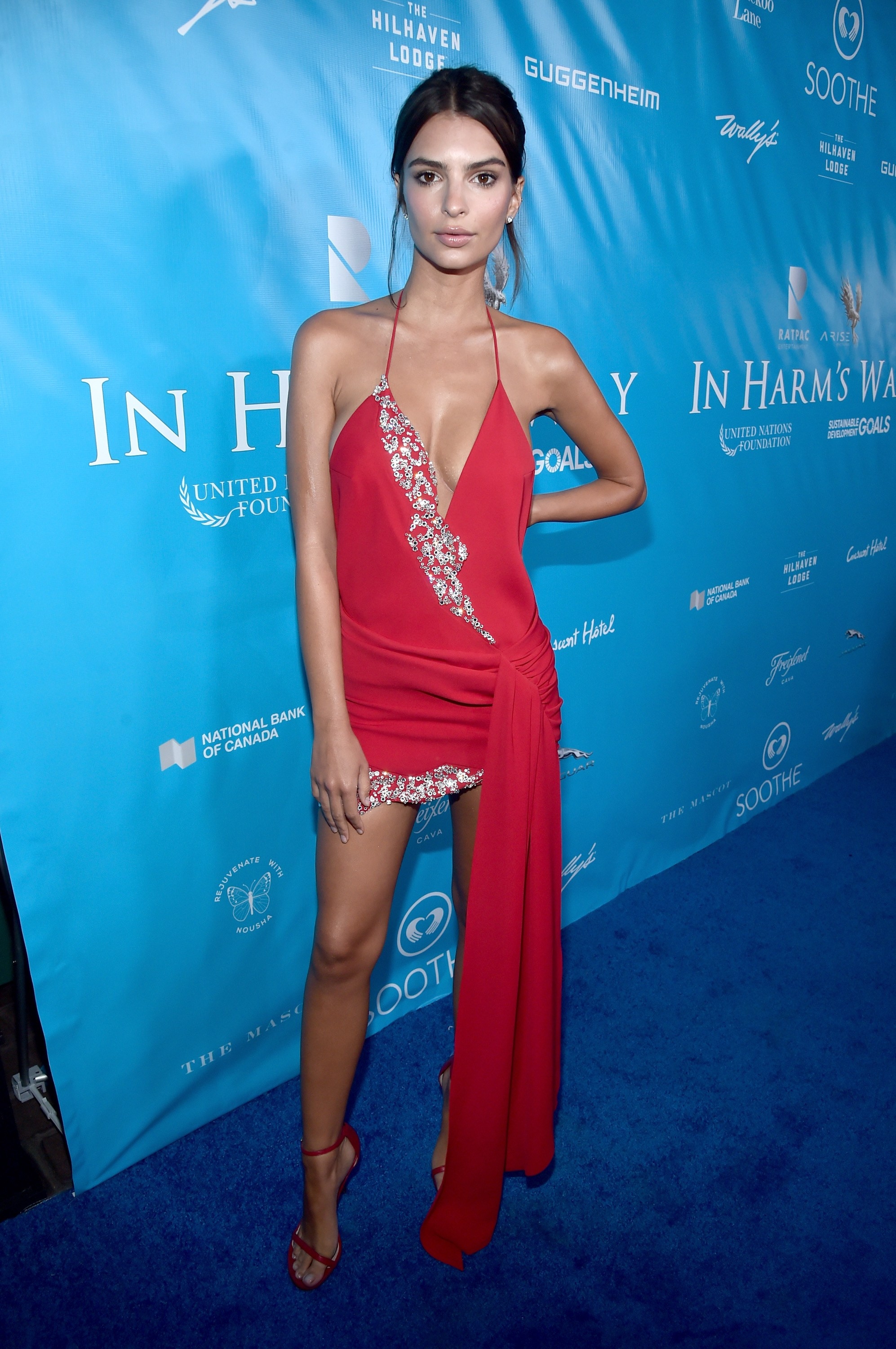 Best Dressed Red Carpet August 15 Emily Ratajkowski In Harm's Way Event