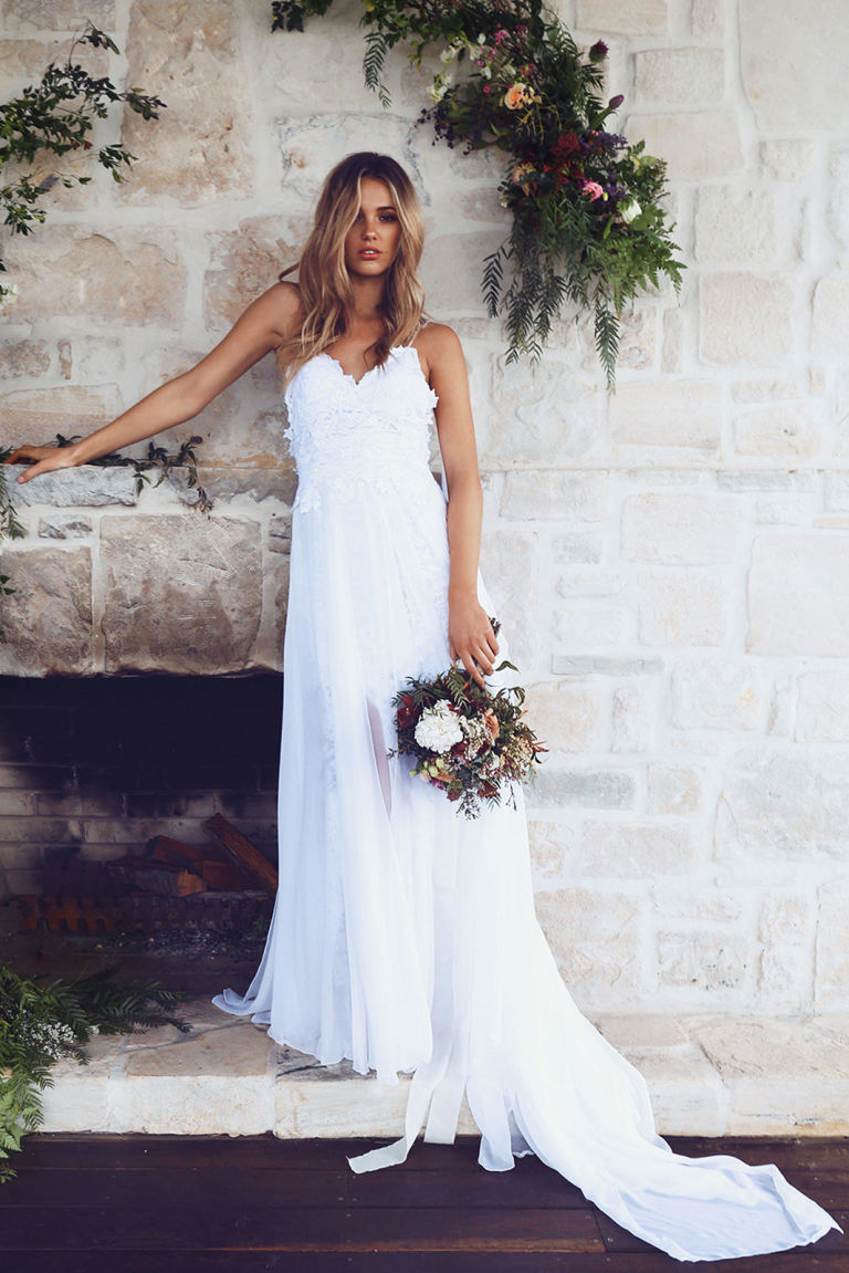 A Closer Look at the Single Most Popular Wedding Dress on Pinterest