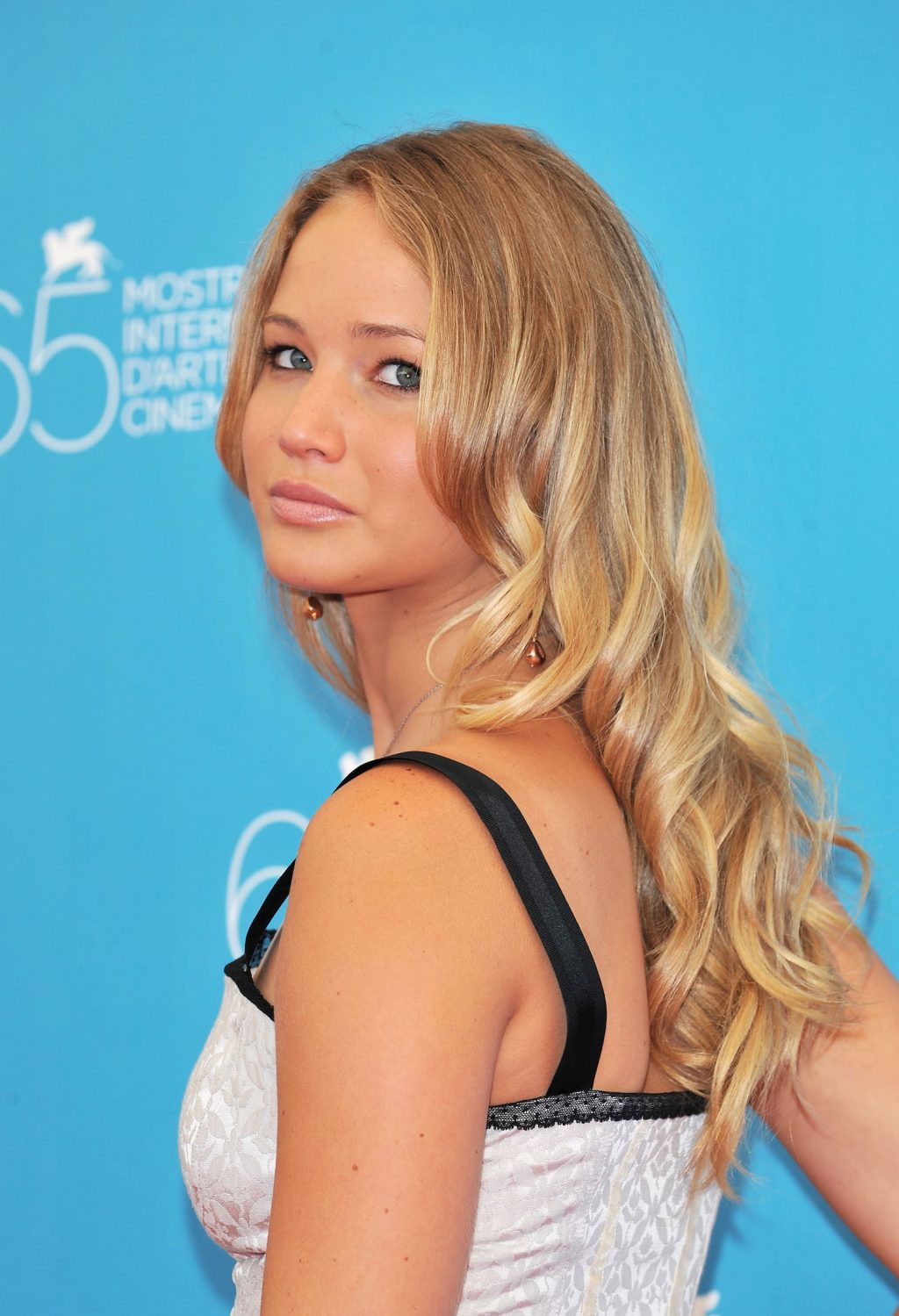 Eight Years of Jennifer Lawrence Hairstyles - Savoir Flair