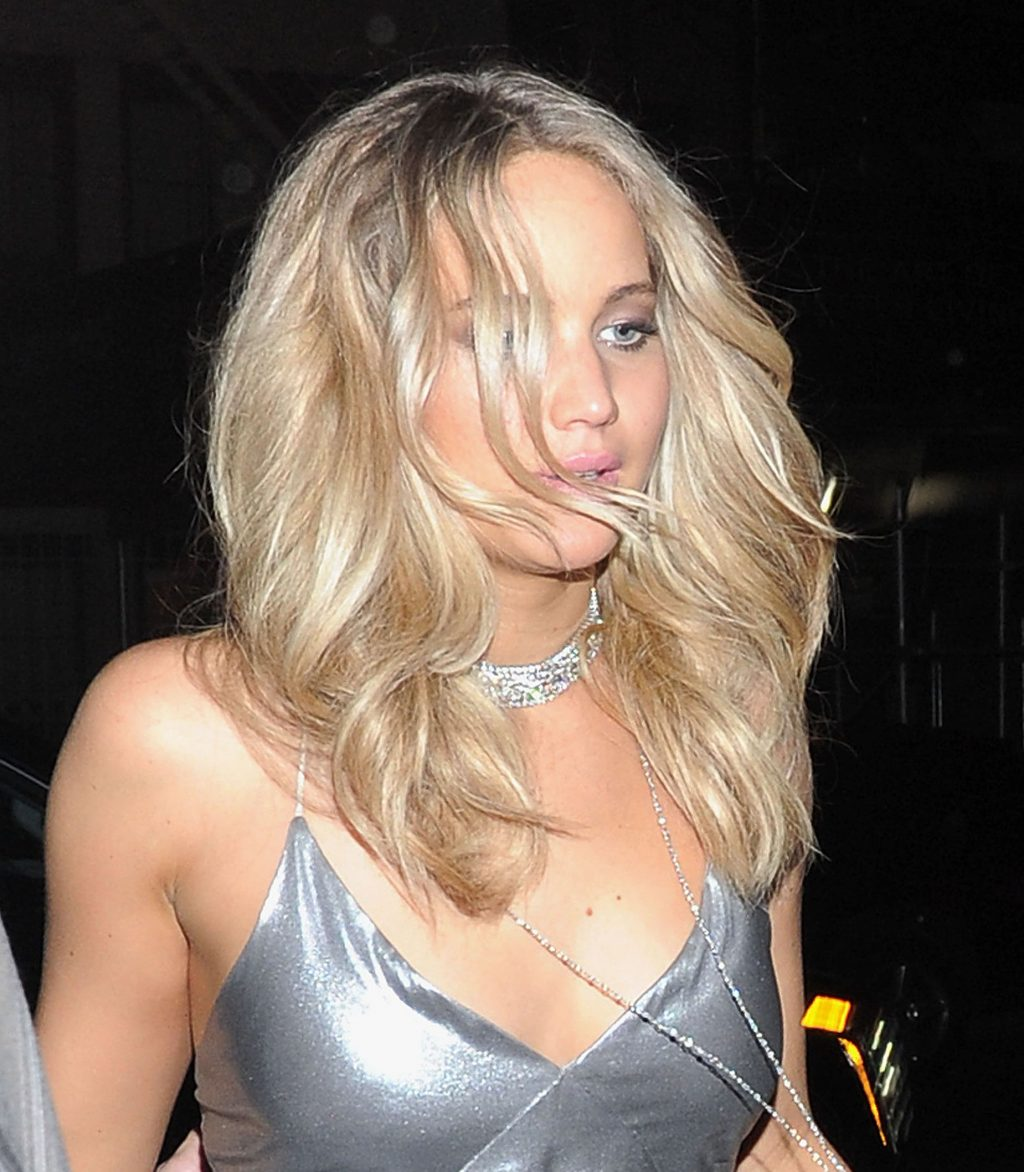 Nine Years of Jennifer Lawrence's Changing Hairstyles ...