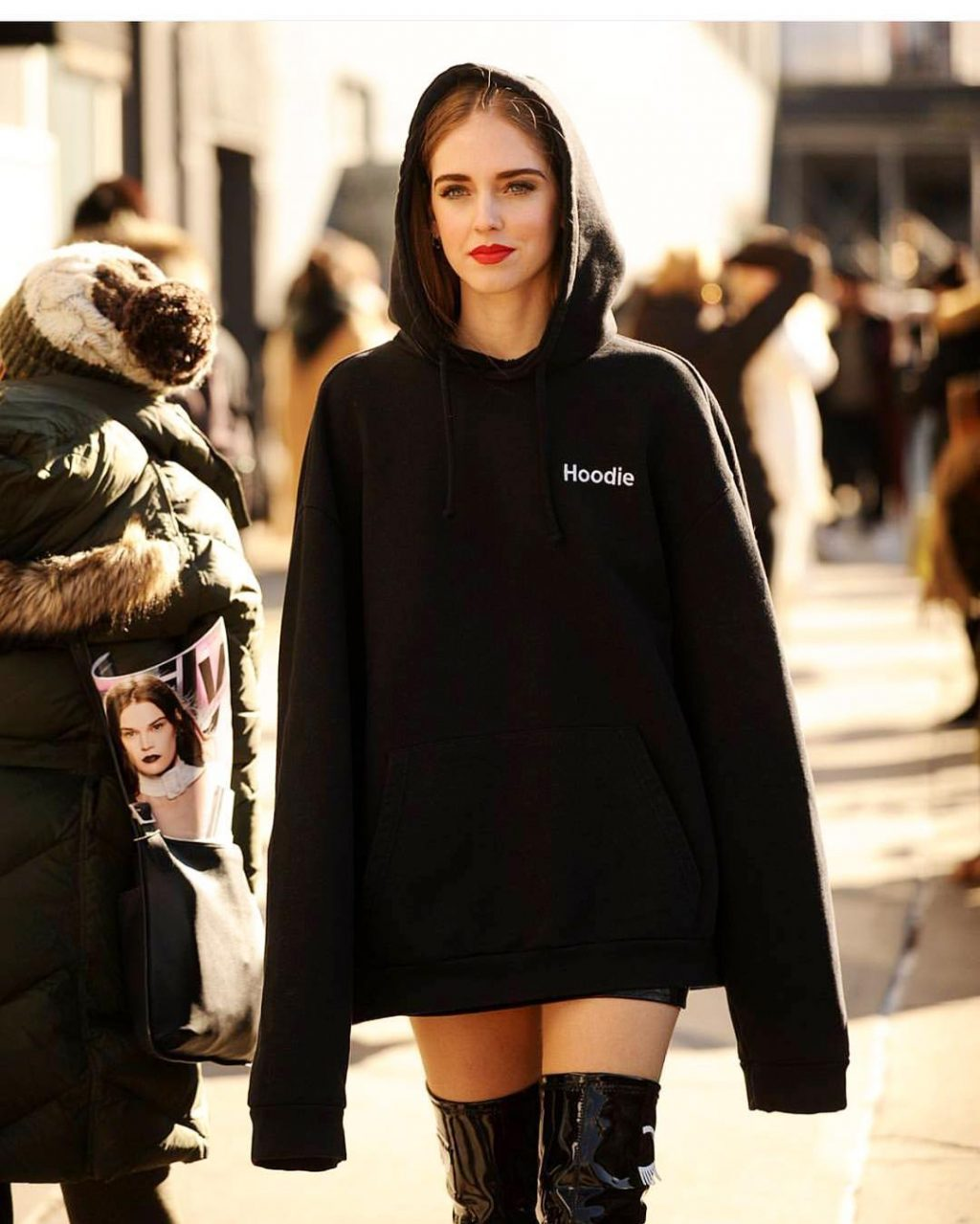 How Fashion Girls Are Wearing Their Hoodies