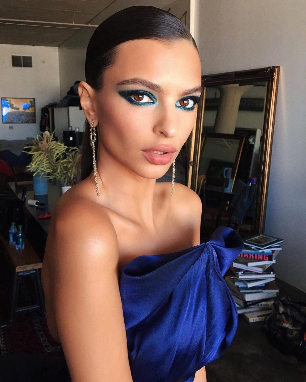 Your Weekend Beauty Inspiration: Rosie H-W, Emily Ratajkowski, and More