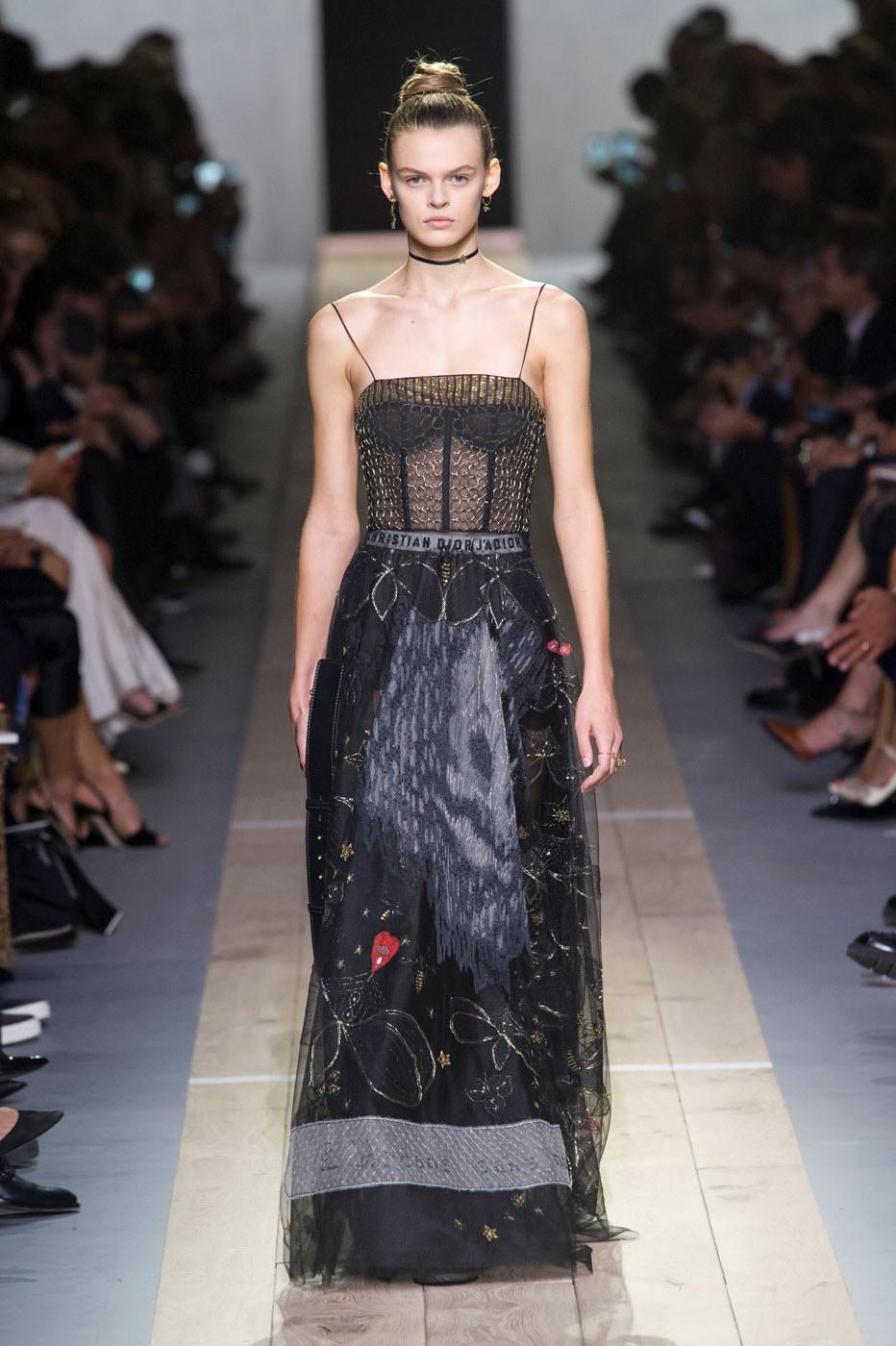 Christian diors spring summer collection savoir flair jpg 932x1400 Fashion  week christian dior designer 6ecc533b7bfa0