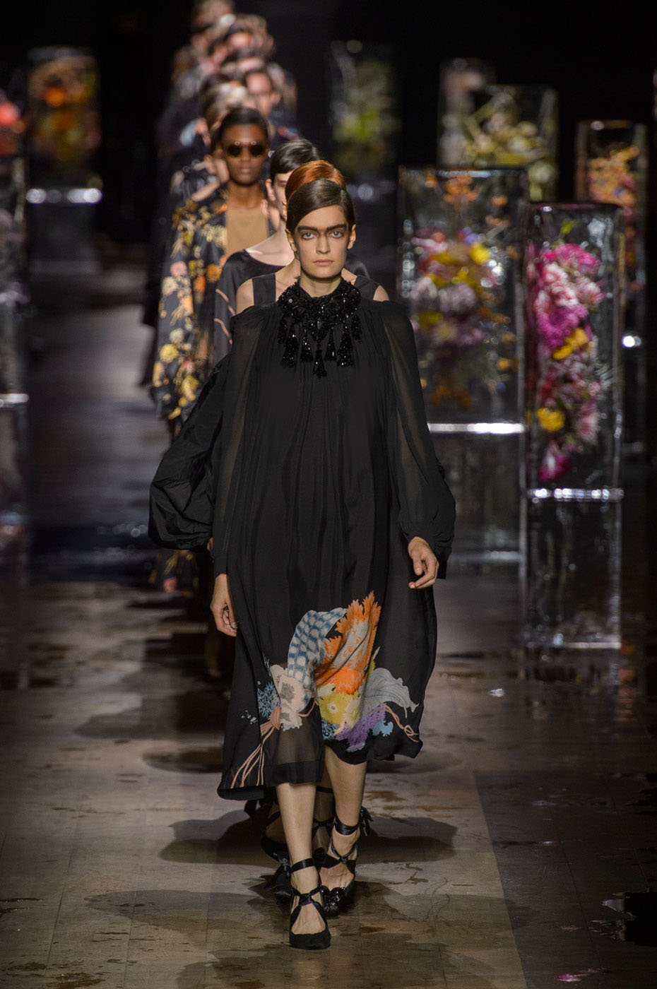 Dries Van Noten's Frozen Blossoms and Victorian Beauty for Spring 2017