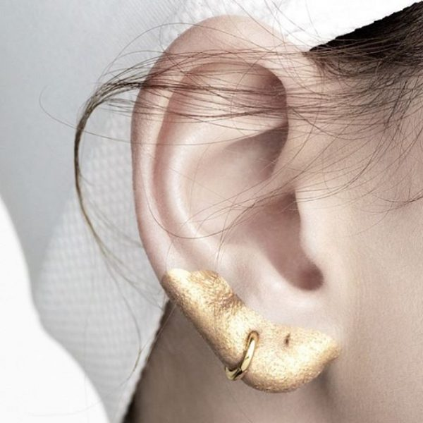 Ear Makeup Beauty Trend Gold Violette