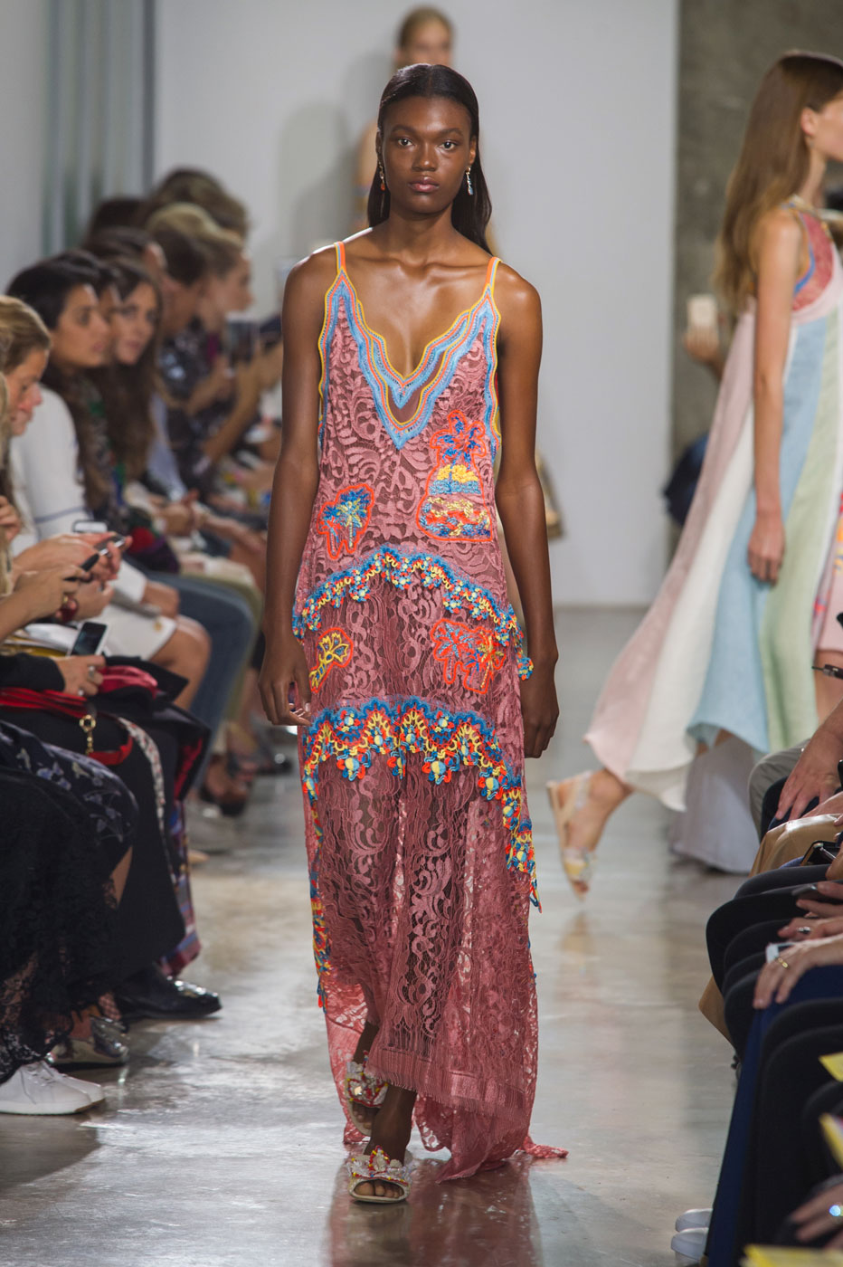 Peter Pilotto's Spring 2017 Collection Is Both Tropical and Graceful