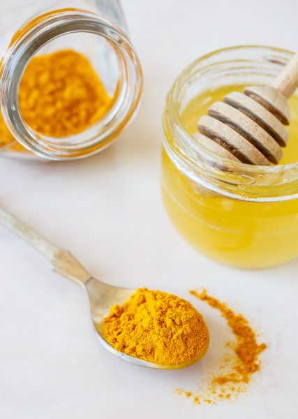 diy-turmeric-face-mask-glow