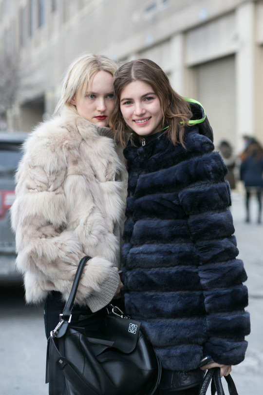 off-duty-models-in-faux-fur-jackets