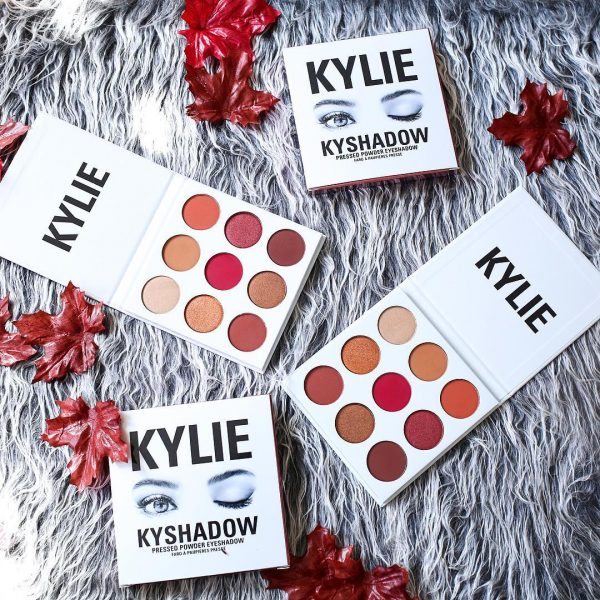 red-eye-makeup-beauty-trend-kylie-burgundy-palette