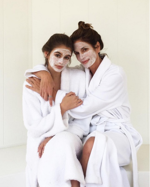 Cindy Crawrford and Kaia Gerber Celebrity Mother Daughter Moments