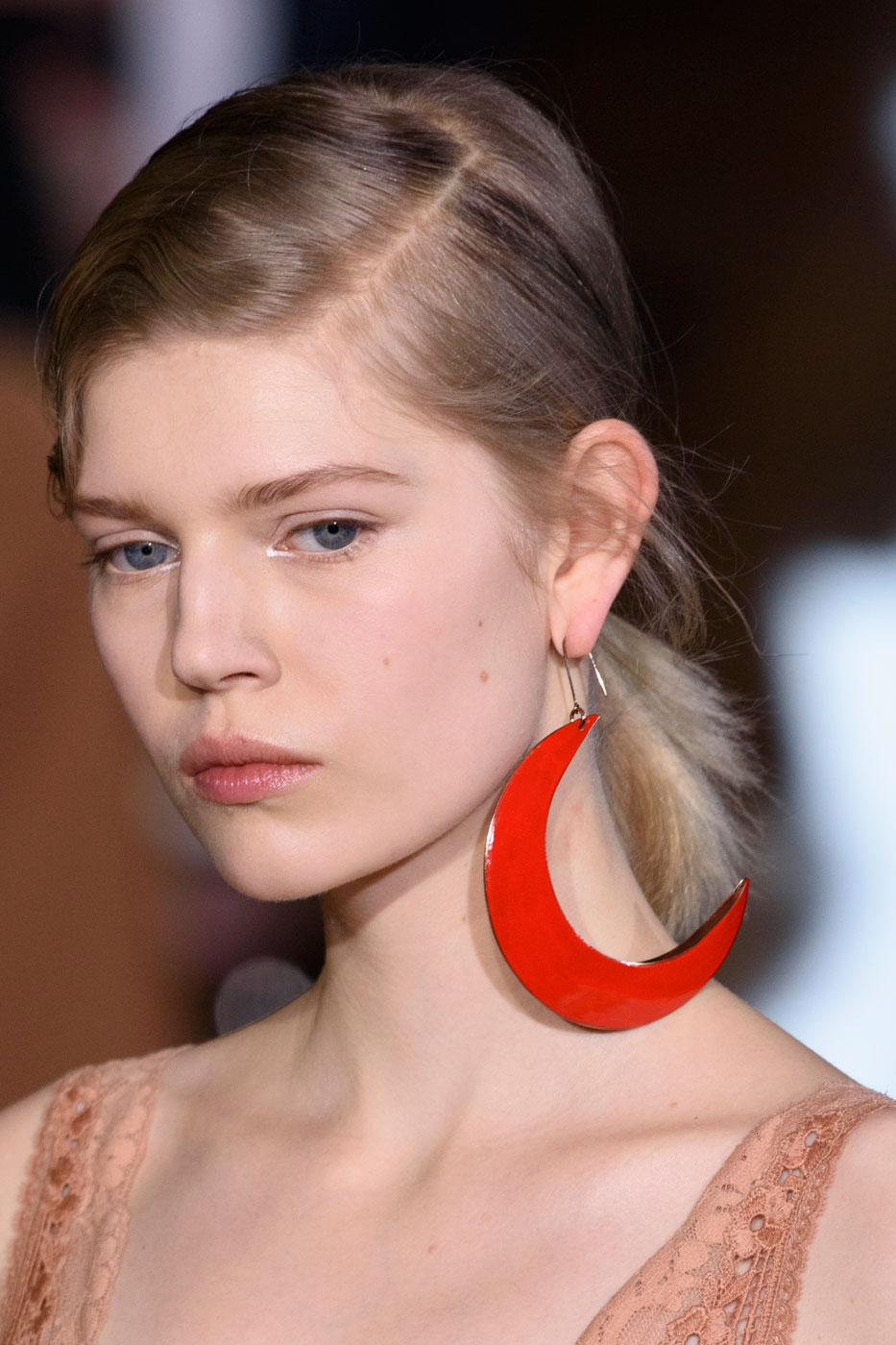 Flying Solo: 1 Single Statement Earring Is All You Need Right Now