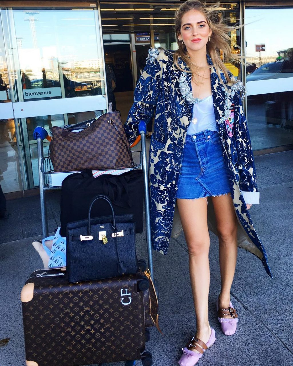 5 Outfit Ideas to Breeze Through Airport Security in Style