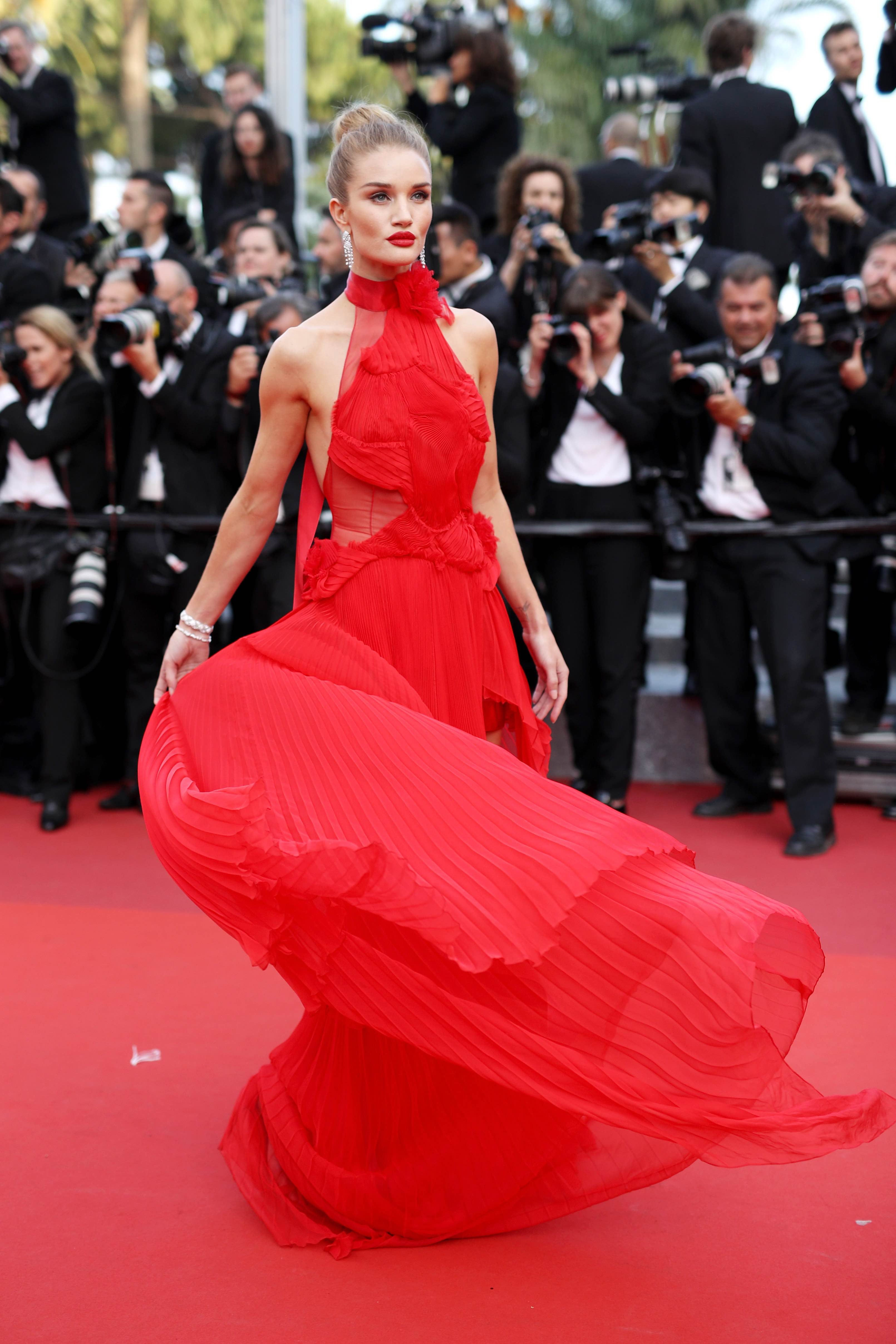Celebrities in Red Gowns Rosie Huntington-Whiteley