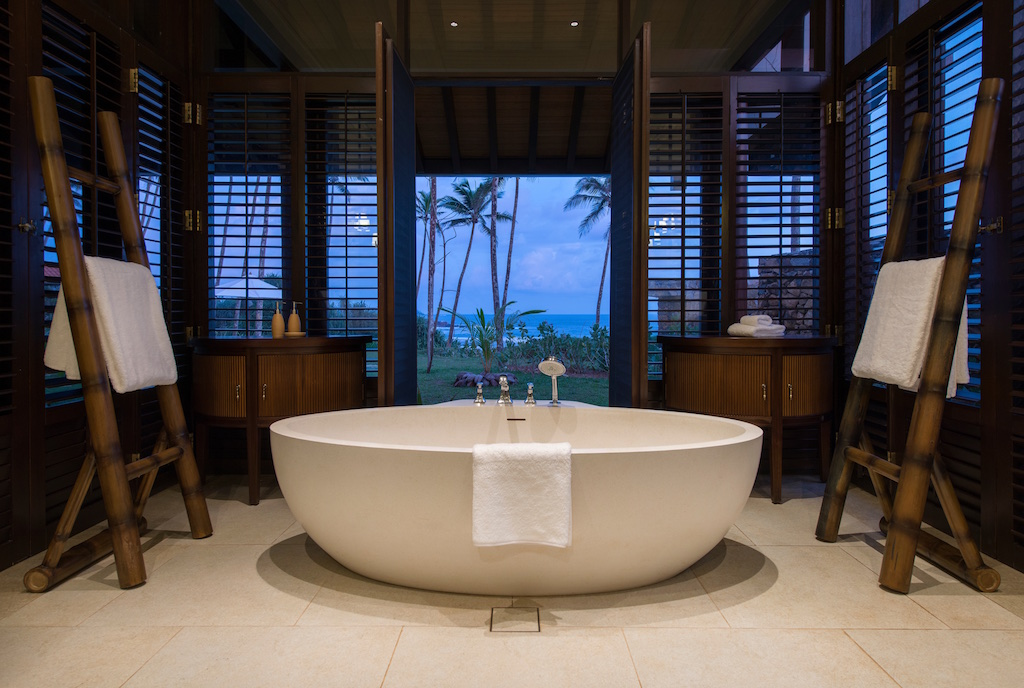 Cape Weligama Bath Tub