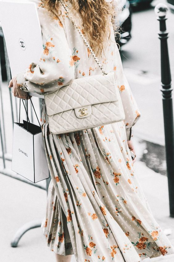 Fashion Checklist: Do You Have the 10 Bags That Every Woman Should Own?