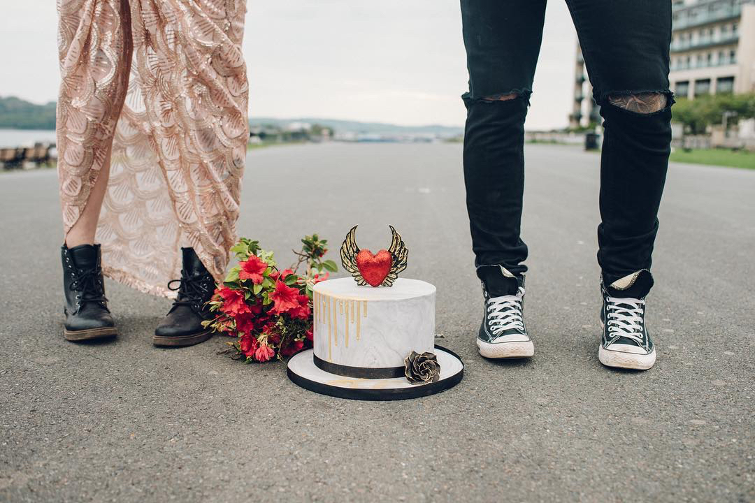 alternative couple shoes cake