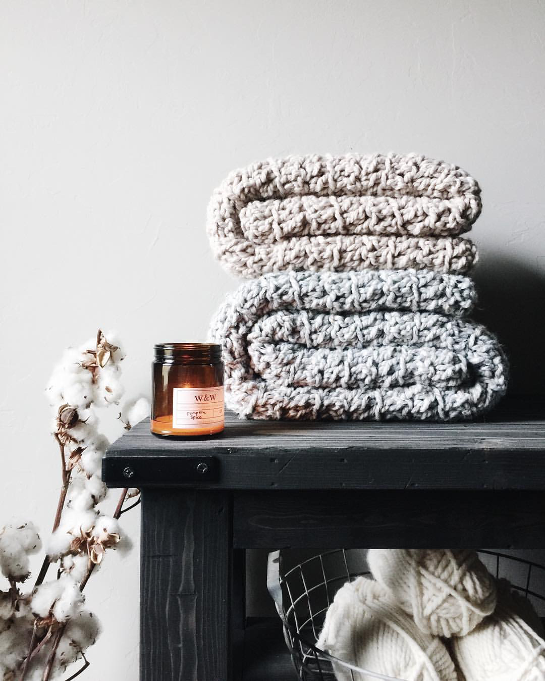 candles blankets cozy hygge interiors