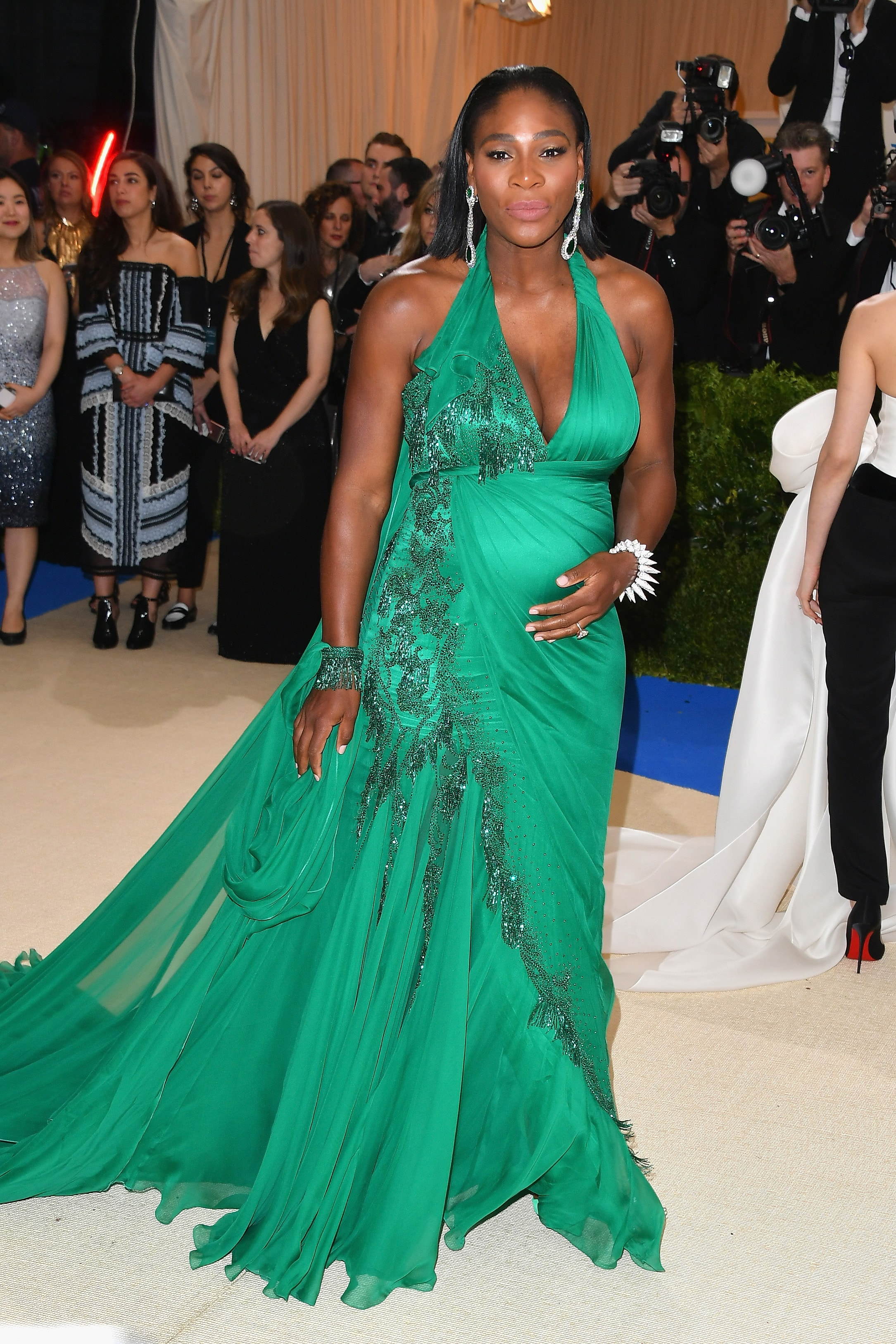 serena williams met gala 2017 pregnant-min