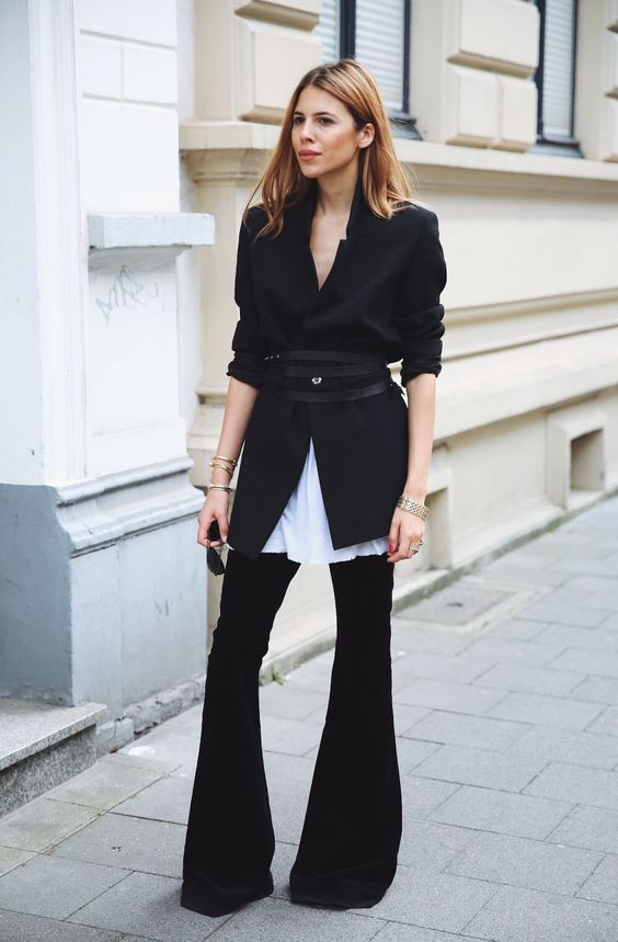 Black suit street style look - what to wear to a job interview