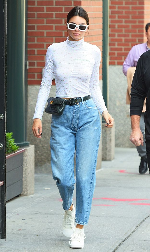 45d3236216ff Kendall Jenner Is Obsessed With Fanny Packs - Savoir Flair