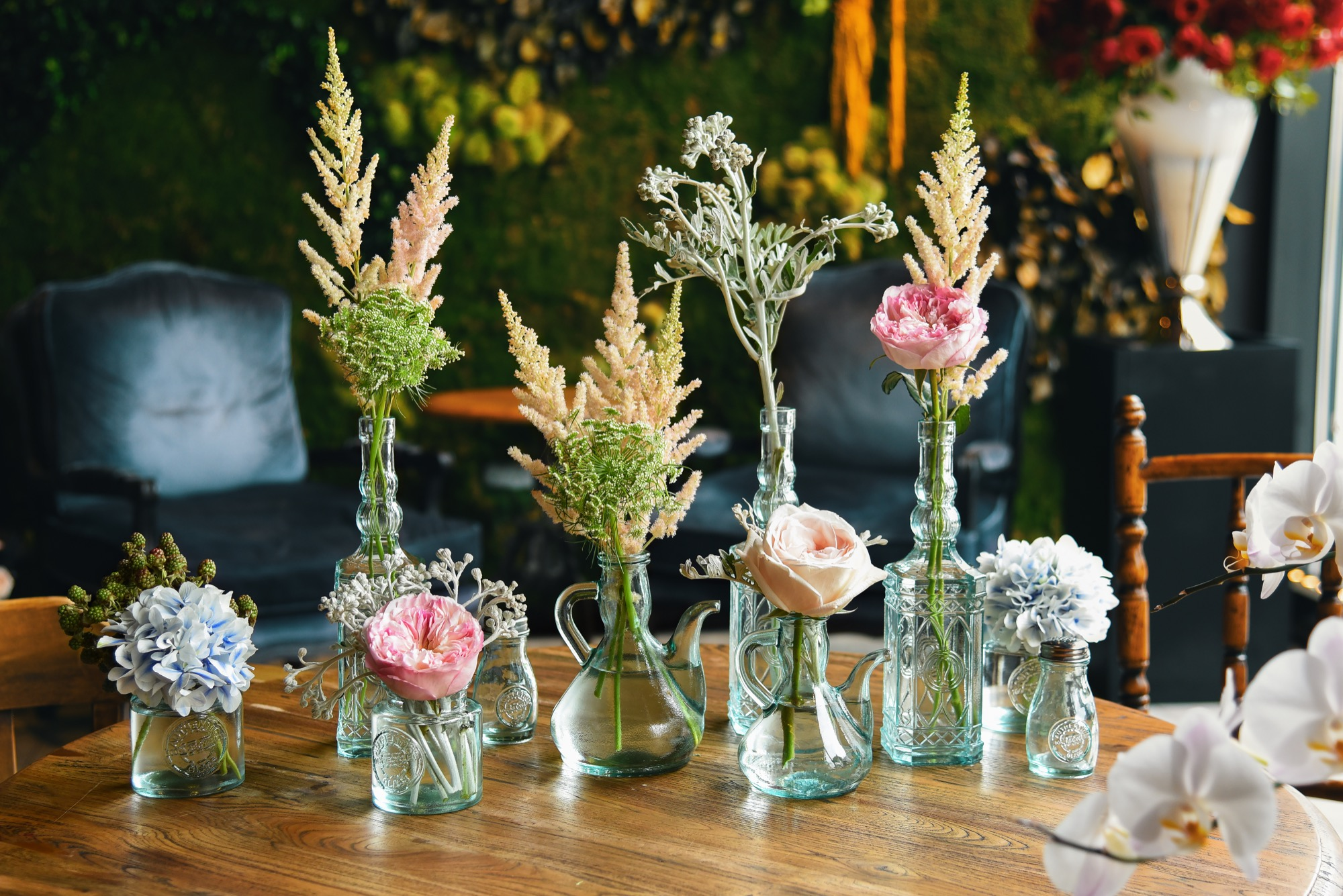 5 Unique Ways to Display Your Flowers - Savoir Flair