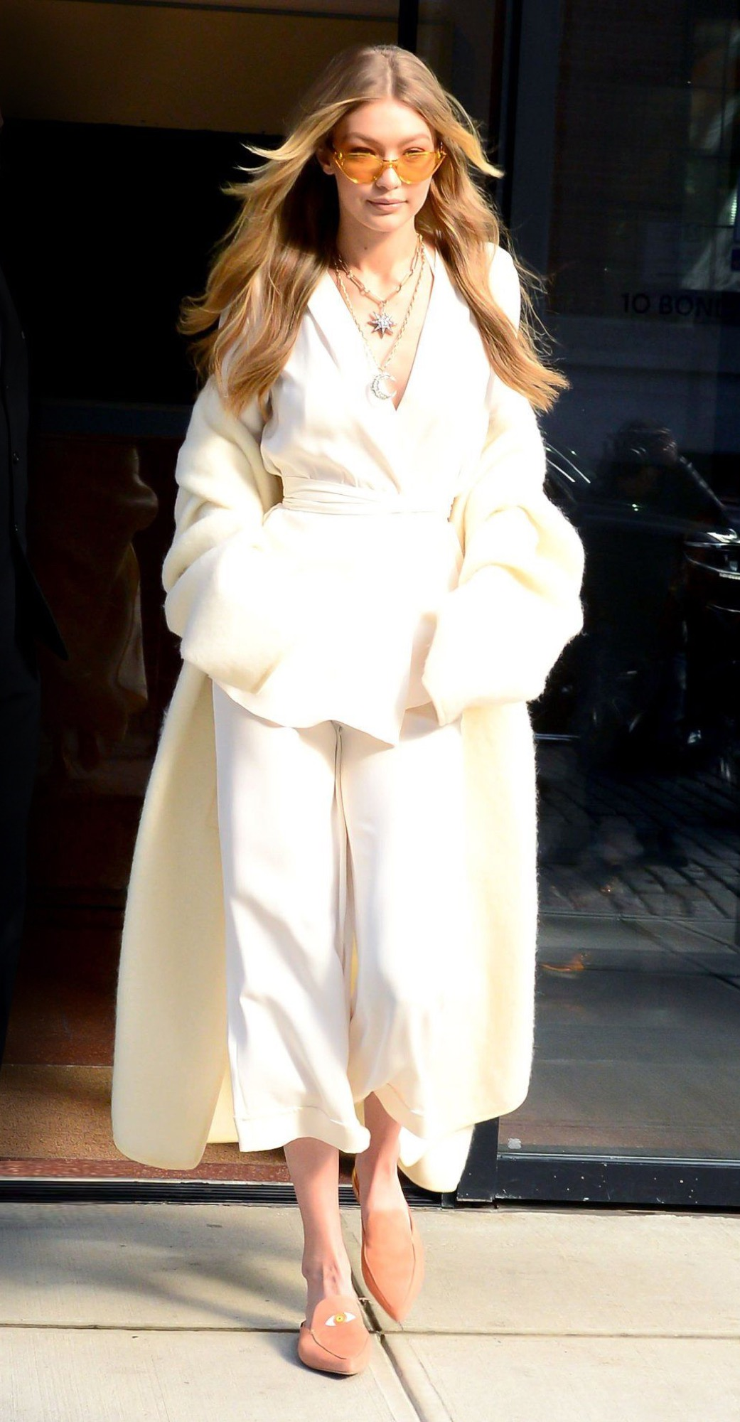 gigi hadid all white