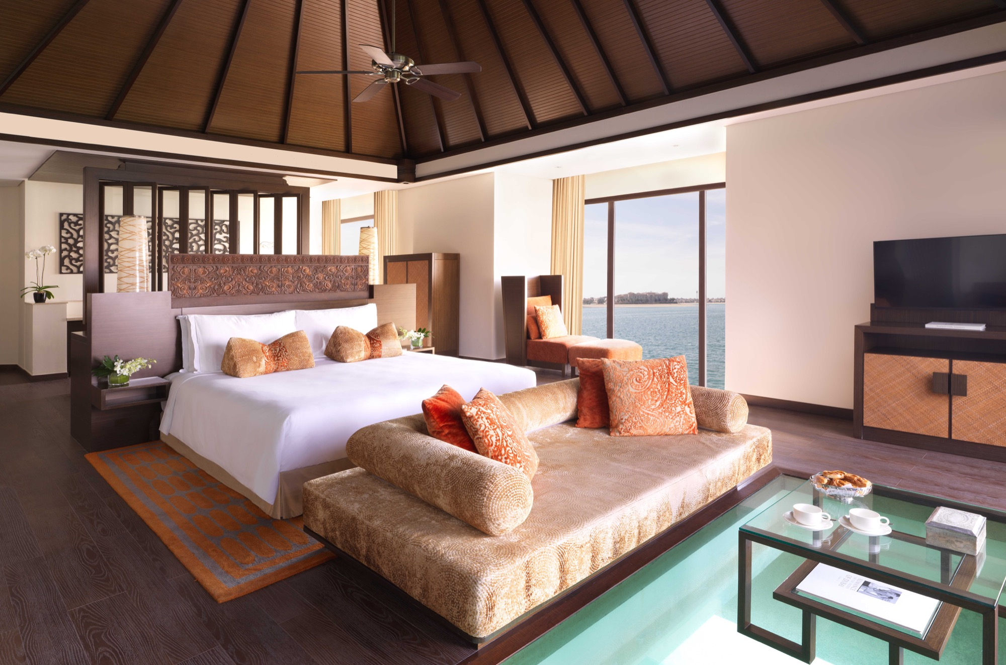 Anantara Dubai - Over Water Villa - Bedroom